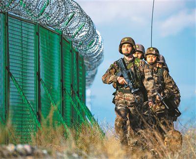 """新疆军区某边防团英塔尔边防连官兵 """"一带一路""""上的忠诚卫士"""