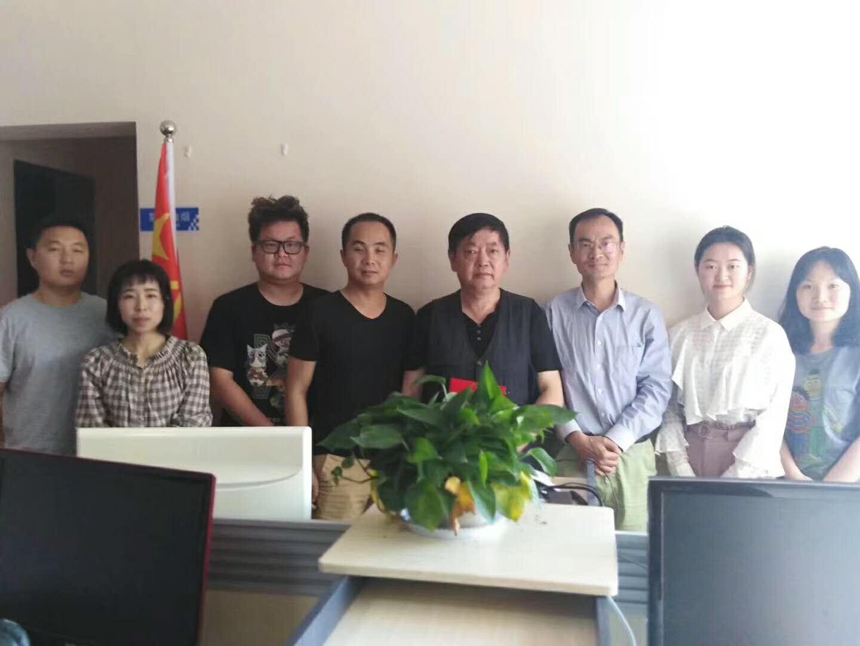 原解放军某学院师长张德勇到《中国军转民》杂志社西南采编中心进行工作交流