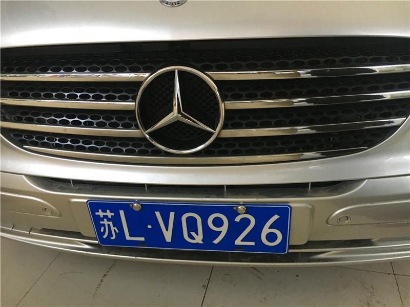 镇江奔驰柏林之声改装汽车音响V260房车怎么升级音响