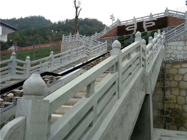 四川青石条柱雕刻栏杆_成都翰林石材价格实惠