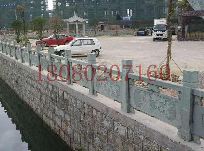 河道青石栏杆项目_成都翰林石材质地好价更低