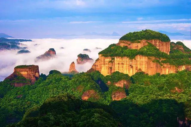 广东丹霞山。