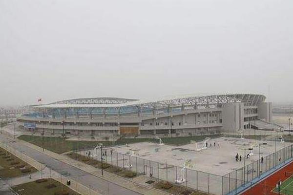 钢结构体育馆