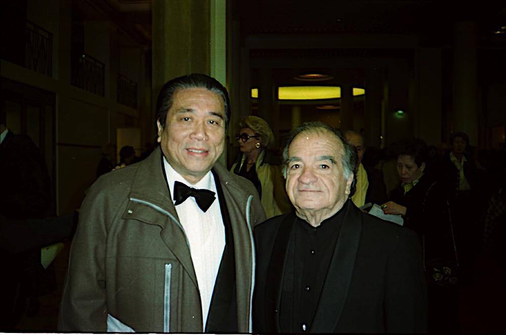 与著名意大利小提琴家里奇先生在1996年的巴黎蹄博( Tibor.•Varga)比赛评委会上