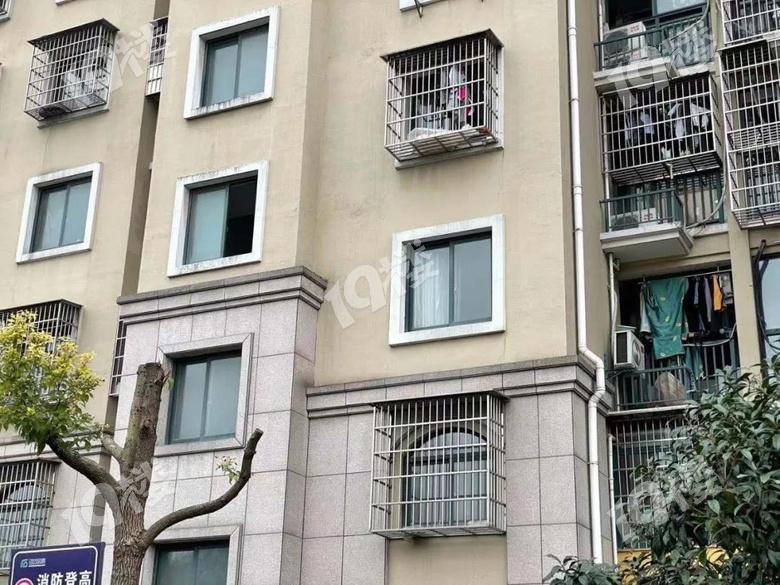 杭州男子下班回家被困在小区半空?!原因让人无语...